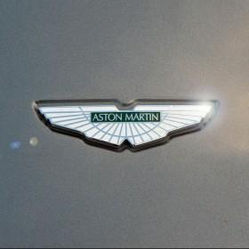Aston Martin iPad Wallpaper