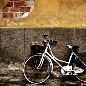 Vintage Bike iPad Wallpaper